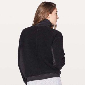lululemon athletica Tops - Lululemon Stand Out Sherpa 1/2 Zip size 4 black